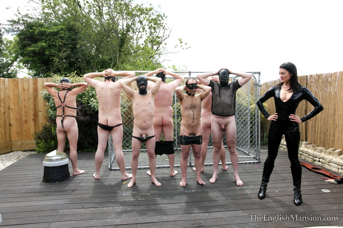Mistress-slave-party-outdoors45.jpg