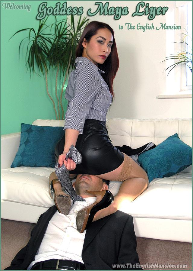 woman ridding sex machones