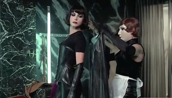 maitresse-costumes-dominatrix
