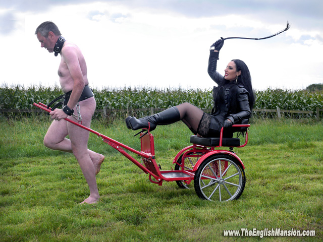 ezada-sinn-ponyboy-race-whipping-dominatrix