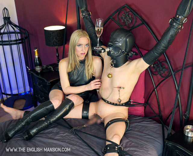 Here the slave is in sendep bondage secured sitting spread-eagled with a  special drink stand/mini platform gag (it has a flap that presses on the  chin in ...