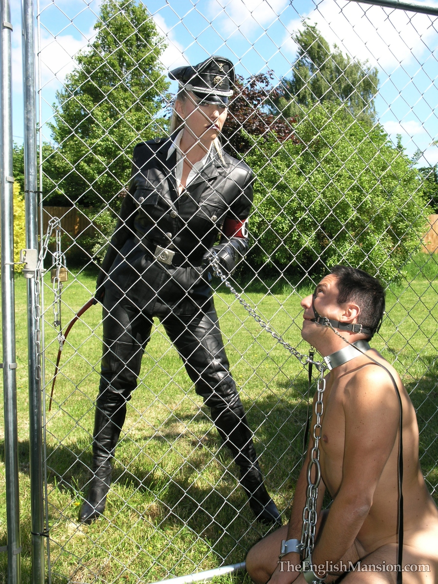 Mistress Sidonia and her slave