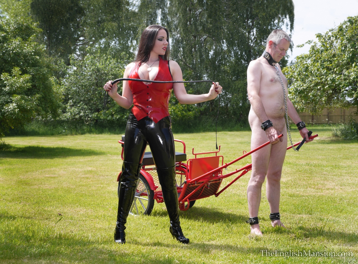 http://www.theenglishmansion.com/promo/0/1119/rubber-riding-domina-10.jpg