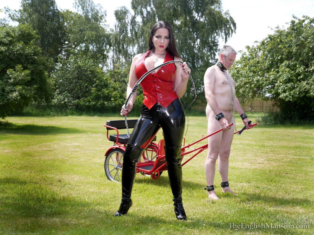 http://www.theenglishmansion.com/promo/0/1119/rubber-riding-domina-11.jpg