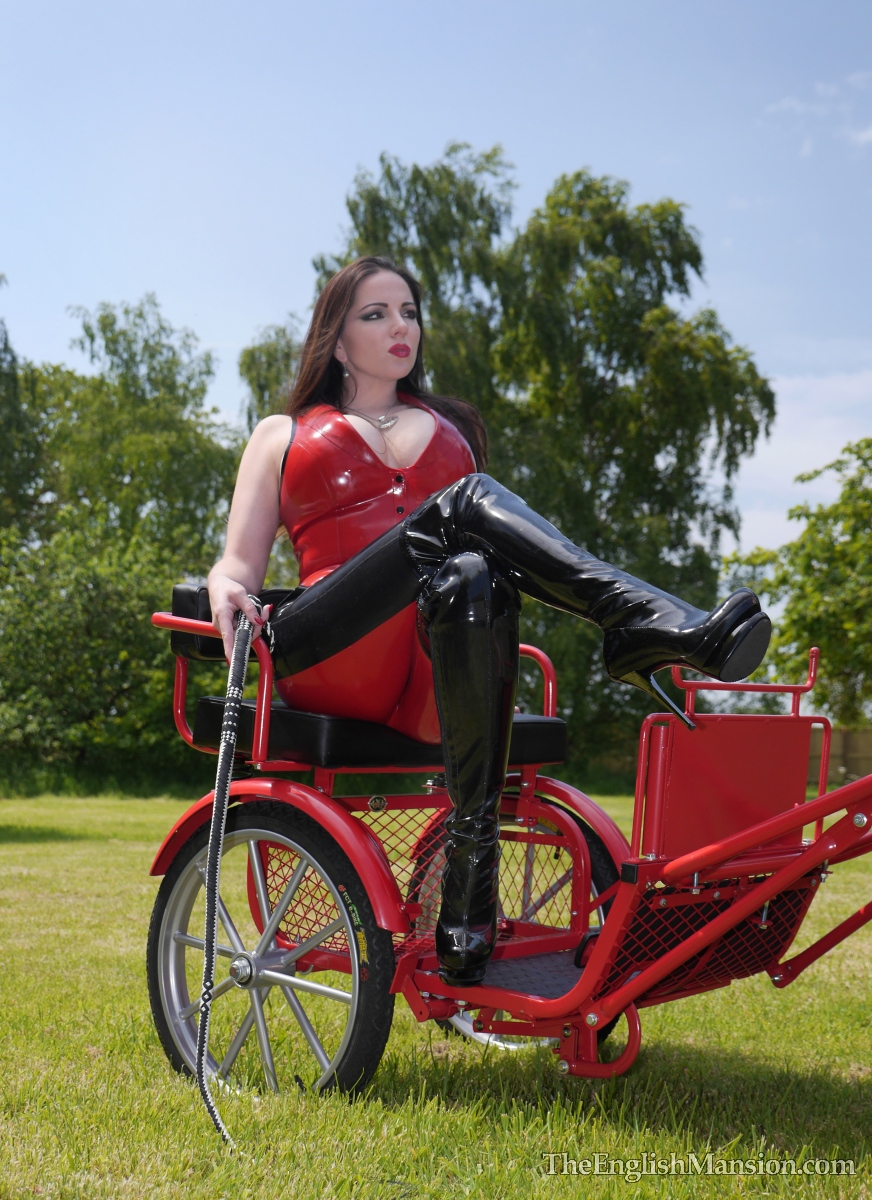 http://www.theenglishmansion.com/promo/0/1119/rubber-riding-domina-15.jpg