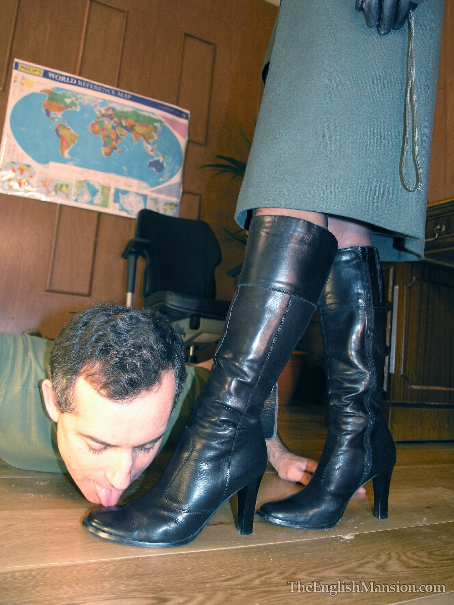 Lick wifes boots, wierd things in ass hole