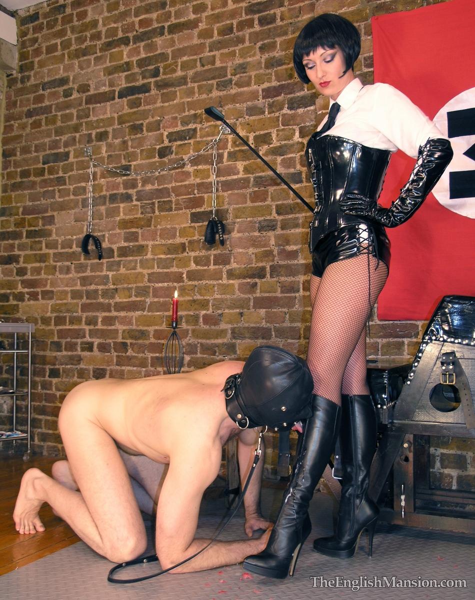 Boot worship slave
