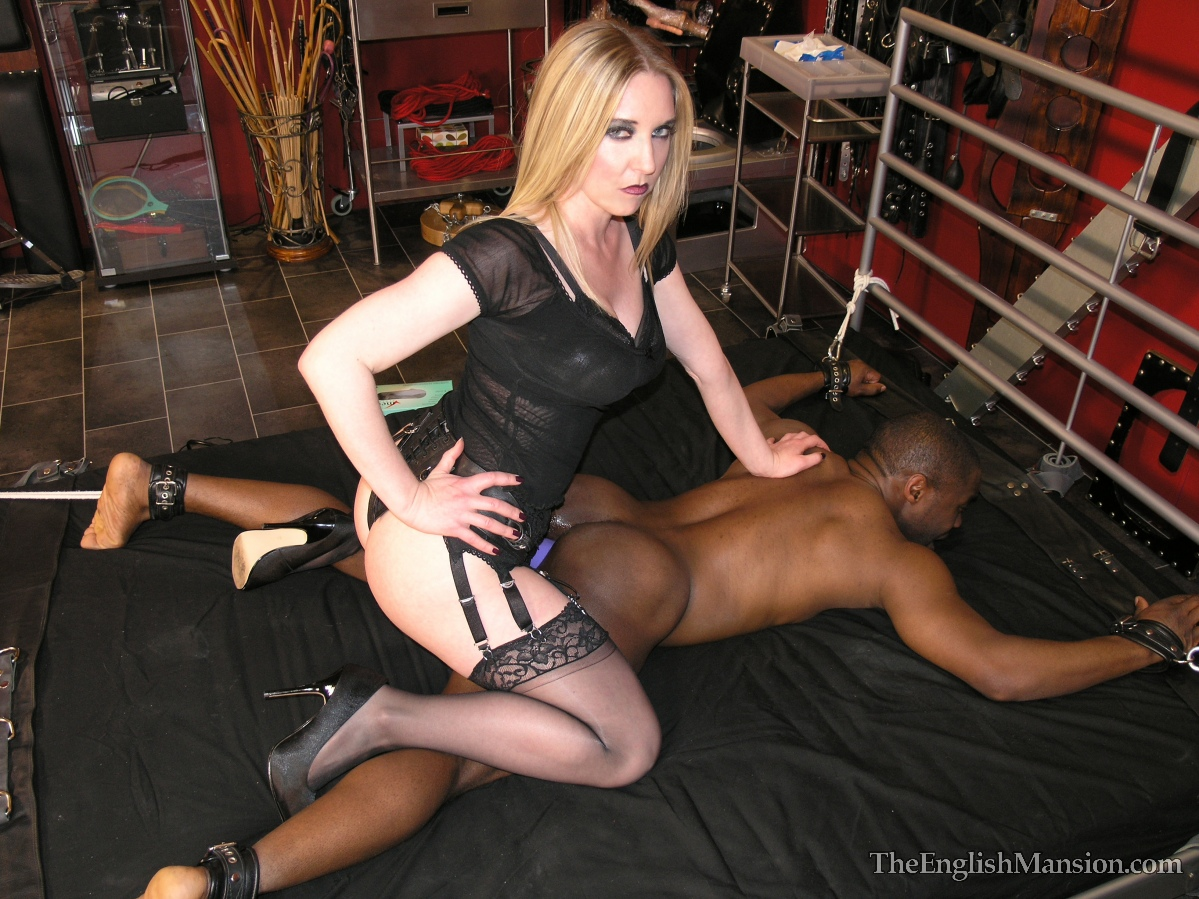 Big black strapon mistress chloe lovett fucked guy in ass