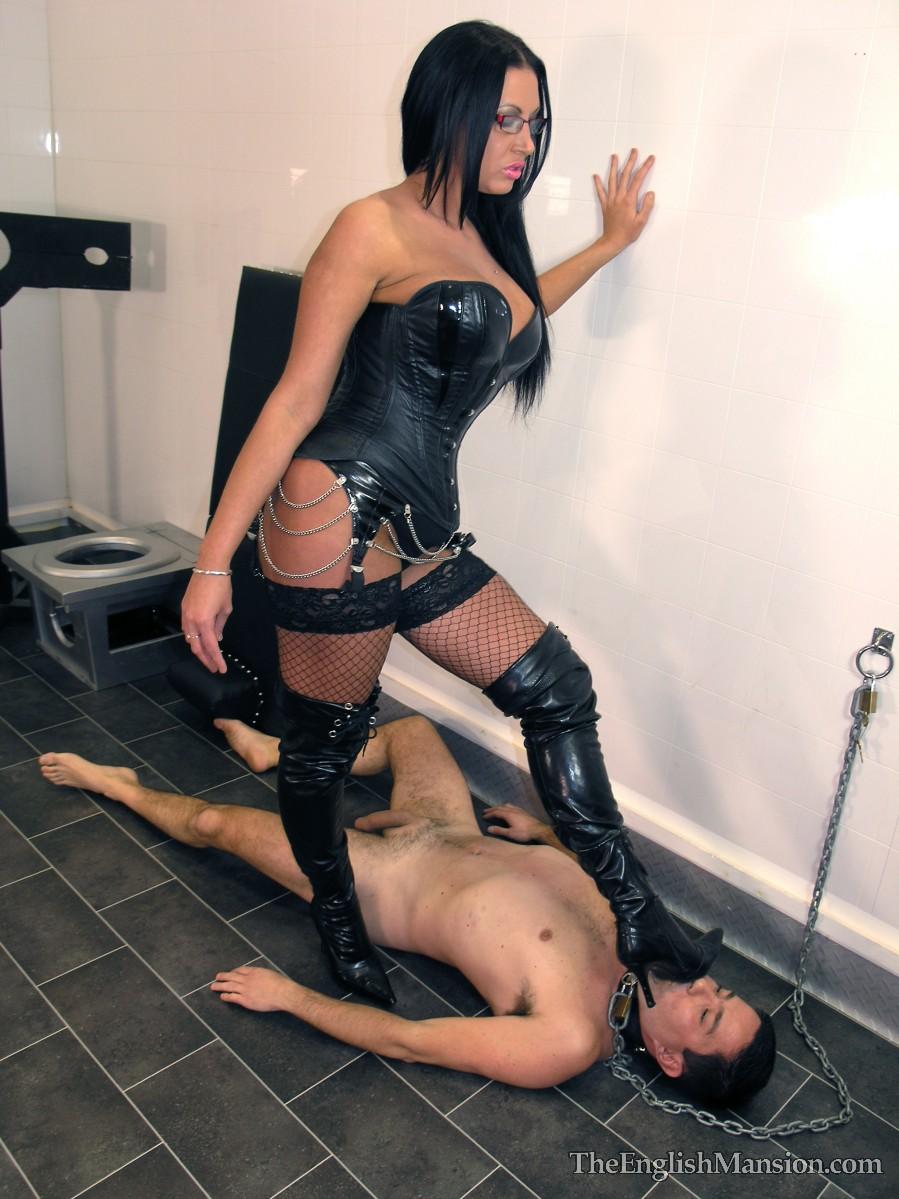 Порно бытавой раб фемдомина