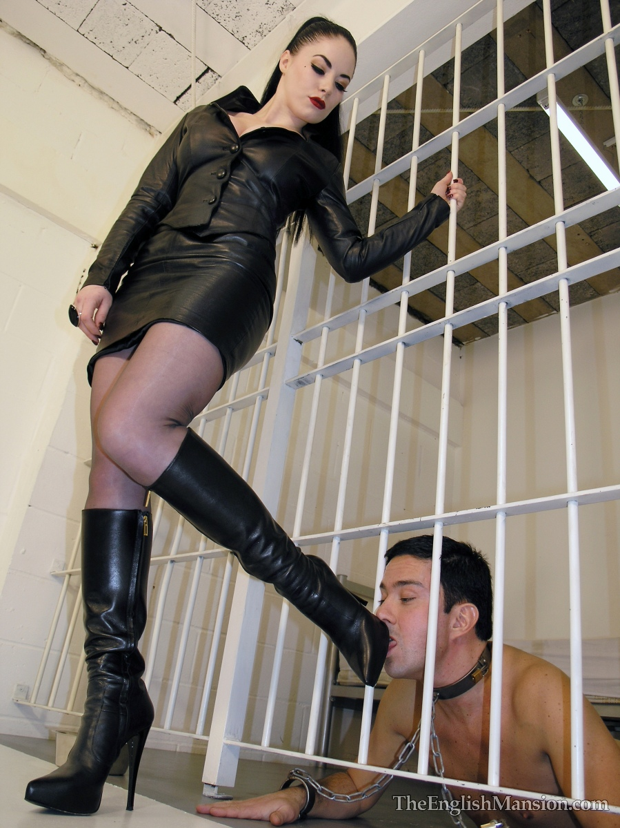 A twink gets fucked in prison by a black man  PornDig