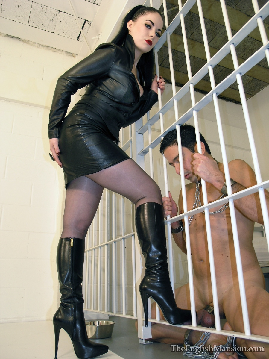 Jolie chatte bdsm stories f m jail chastity body. WOW